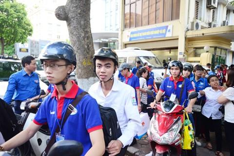 13.000 thanh niên tình nguyện tiếp sức mùa thi ảnh 1