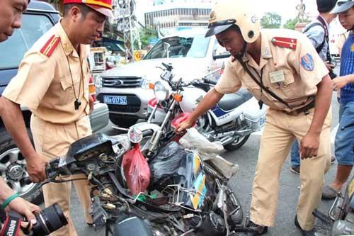 Vi phạm luật giao thông nhận lại giấy tờ tại nhà ảnh 1