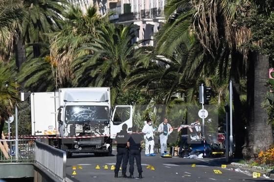 Vụ khủng bố ảnh hưởng nặng kinh tế Pháp ảnh 1