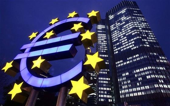 ECB giữ nguyên lãi suất cơ bản thấp kỷ lục ảnh 1