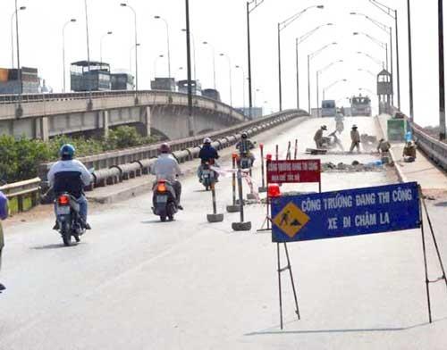 Từ ngày 20-7, cấm lưu thông qua cầu Bến Lức 1 ảnh 1