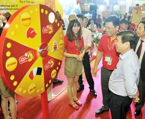 Vietjet nổi bật tại Hội chợ du lịch quốc tế TPHCM 2016 ảnh 2