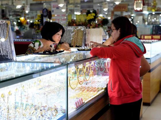 Nữ trang Việt chưa vào được thị trường ASEAN ảnh 1
