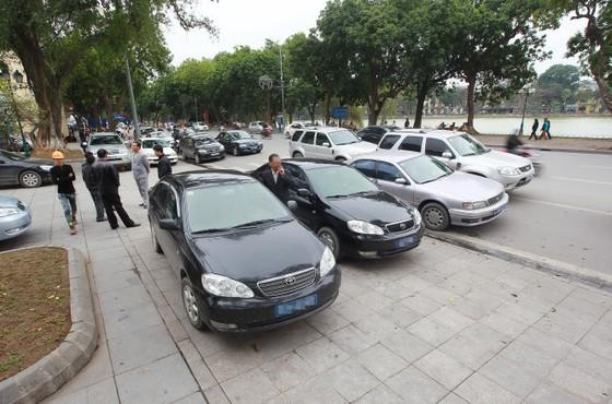 Không để Bộ Tài chính đơn độc khoán xe công ảnh 1