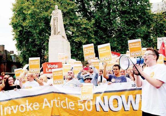 100 ngày sau Brexit: Nước Anh vẫn chia rẽ ảnh 1