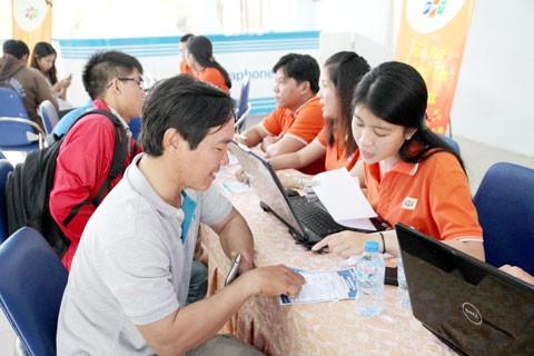 Vé tàu Tết Đinh Dậu: Người dân vẫn chờ ảnh 2