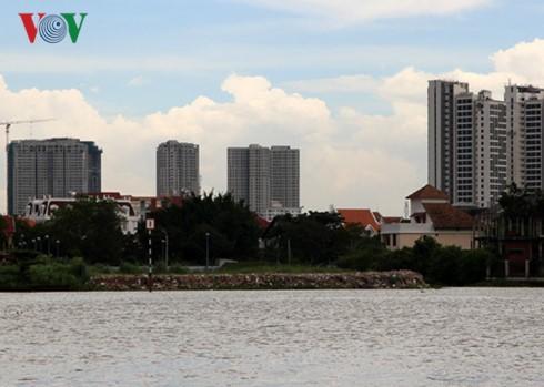 Sông Sài Gòn bị lấn chiếm, khó quy trách nhiệm ảnh 1