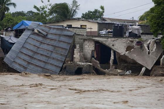 Bão Sandy gây thiệt hại 20 tỷ USD ảnh 1