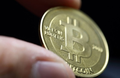 Bitcoin đột ngột sụt giảm 20% ảnh 1