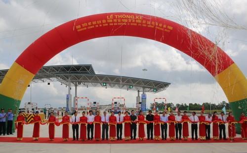Thông xe 52,5km tuyến cao tốc Hà Nội - Hải Phòng ảnh 1
