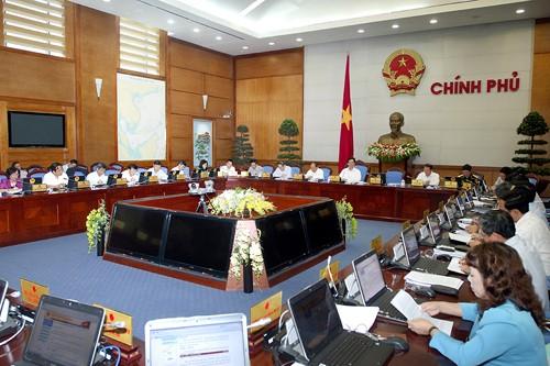 Chính phủ họp phiên thường kỳ tháng 4-2013 ảnh 1
