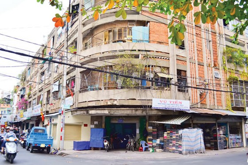 """Chung cư cũ TPHCM (K1): Những khu nhà """"răng rụng"""" ảnh 1"""