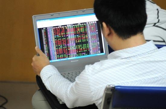 CK 3-4: Thị trường phục hồi, NĐT gom hàng ảnh 1