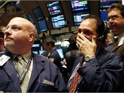CK Hoa Kỳ 26-8: S&P 500 lần đầu vượt 2000 điểm ảnh 1
