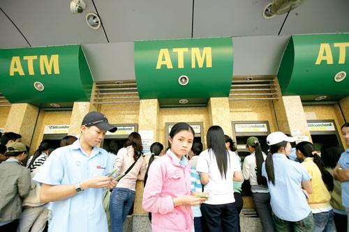 Thu phí ATM: Hợp lý nhưng công khai, minh bạch ảnh 1