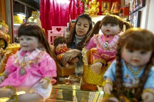 Cơn sốt búp bê 'có linh hồn' ở Thái Lan ảnh 1