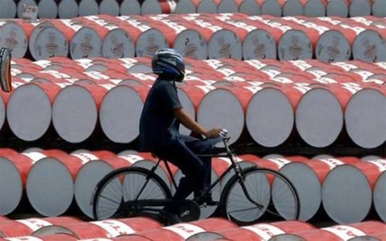 Nhu cầu dầu mỏ tăng nhanh ảnh 1