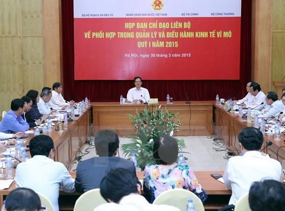 Thủ tướng chỉ đạo phối hợp điều hành kinh tế vĩ mô ảnh 1