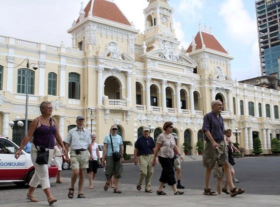 TPHCM phấn đấu thu 94.000 tỷ đồng từ du lịch ảnh 1