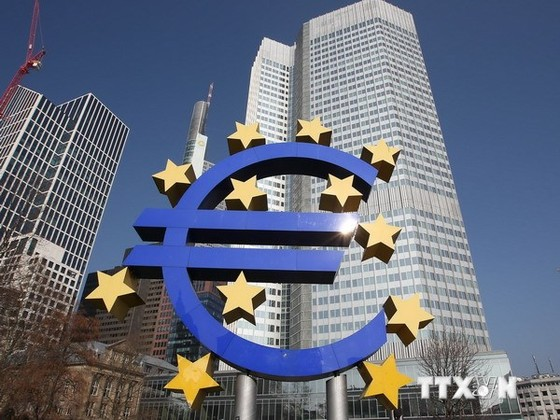 EU hạ dự báo tăng trưởng 2014 của Eurozone ảnh 1