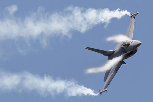F-16 Hoa Kỳ rơi tại bang Arizona ảnh 1