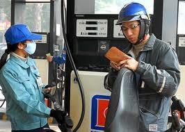 Trình phương án giảm giá xăng dầu ảnh 1