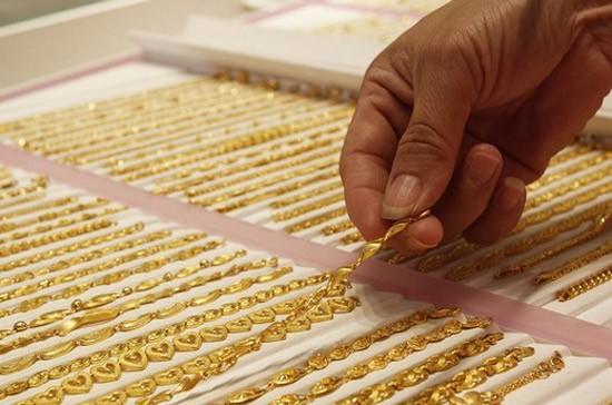 Ngày 5-5: Giá USD, vàng tiếp tục ngược chiều ảnh 1