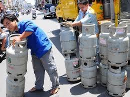 Giá gas tăng 80.000 đồng/bình 12kg ảnh 1