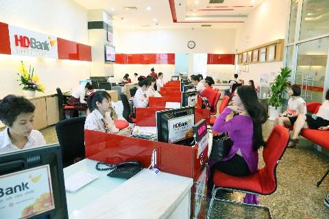 HDBank dành 1 tỷ đồng tặng quà khách mua bảo hiểm ảnh 1