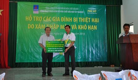 PVFCCo hỗ trợ nông dân bị thiên tai 5 tỷ đồng ảnh 1