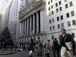 Kinh tế Mỹ trái chiều về việc làm và doanh số bán lẻ ảnh 1