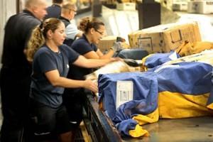 Hoa Kỳ bận rộn ngày mua sắm trực tuyến ảnh 1