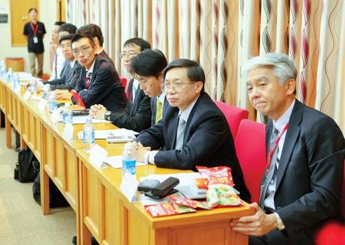 Việt Nam thu hút các chuyên gia về thu nhập ảnh 1