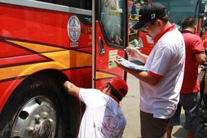 Bệnh viện Ô tô và Bridgestone tổ chức Bus Care Day ảnh 1