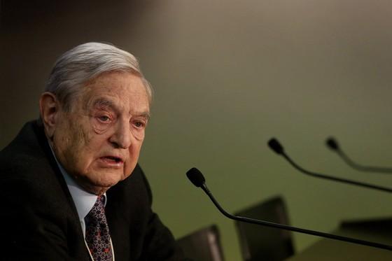"""George Soros: Trung Quốc """"hạ cánh cứng"""" ảnh 1"""