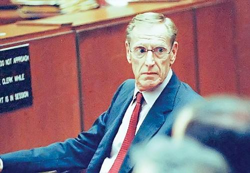Charles H. Keating Jr - Kẻ phản diện ảnh 1