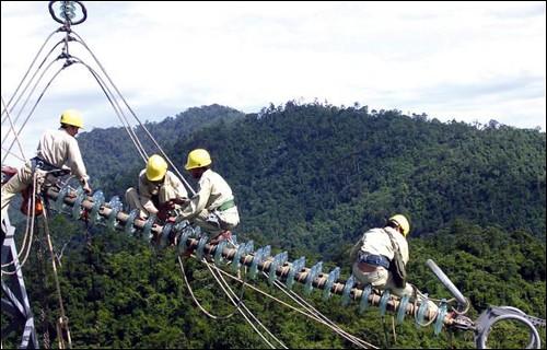 Điện khí hóa nông thôn đi tiếp chặng đường khó ảnh 1