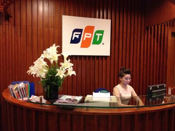 FPT: lợi nhuận sau thuế 10 tháng tăng 6% ảnh 1