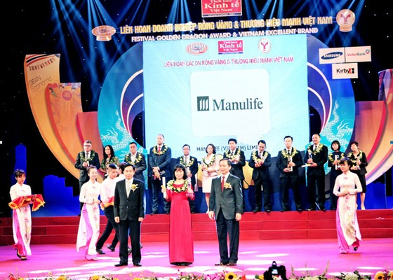 """Manulife Việt Nam nhận """"Dịch vụ Bảo hiểm Nhân thọ tốt nhất"""" ảnh 1"""