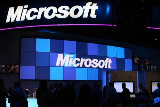 Microsoft tái cấu trúc toàn bộ công ty ảnh 1