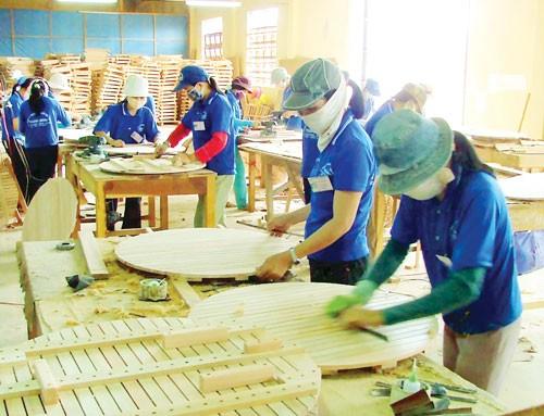 Trung tâm đồ gỗ trong cơn khủng hoảng ảnh 1
