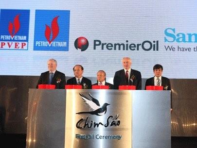 Bắt đầu khai thác dầu khí từ mỏ Chim Sáo ảnh 1