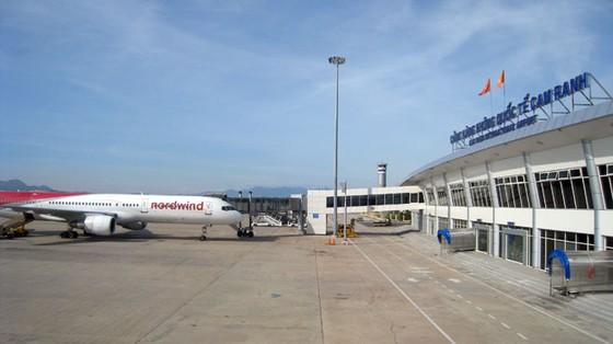 Sân bay quốc tế-Bỏ ngàn tỉ thu chẳng bao nhiêu ảnh 1