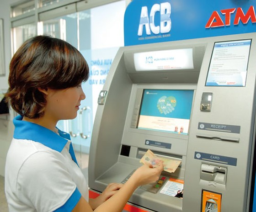 Bảo vệ chủ thẻ ngân hàng ảnh 1