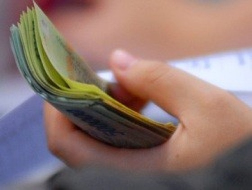 Đắng lòng bán công ty, nợ càng phình to ảnh 1