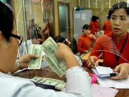 Ngân hàng đồng loạt tăng giá USD ảnh 1