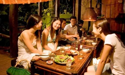 20% người Việt có thói quen tiền tip ảnh 1