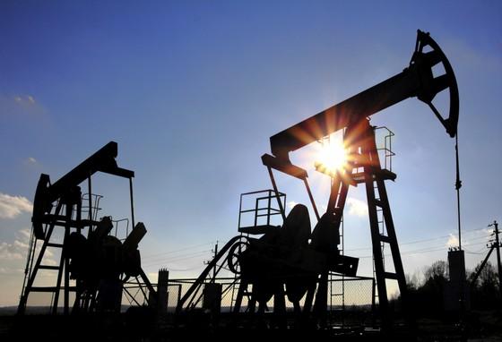 Thị trường dầu mỏ toàn cầu đang bị thao túng? ảnh 1