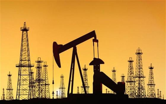 Kinh tế vùng Vịnh tụt dốc theo giá dầu ảnh 1