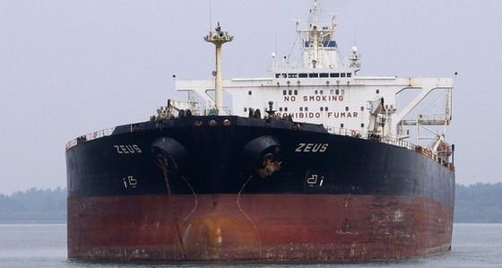 Giá dầu rẻ, cướp biển cũng không thèm ảnh 1
